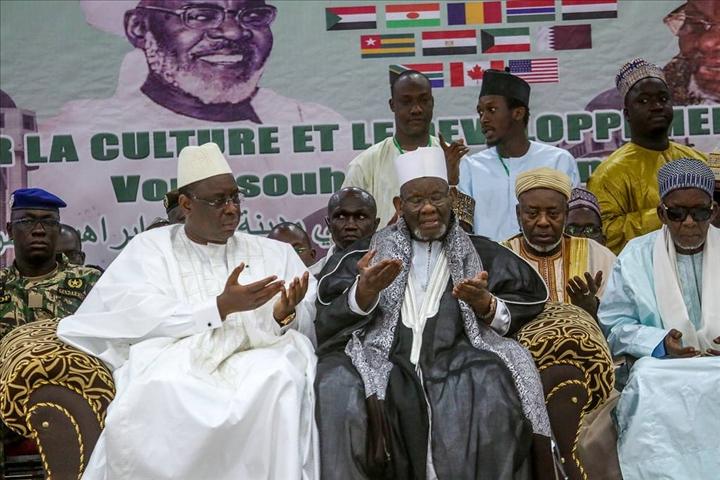Décès du Khalife de Médina Baye : Le coup de fil du président Macky Sall.