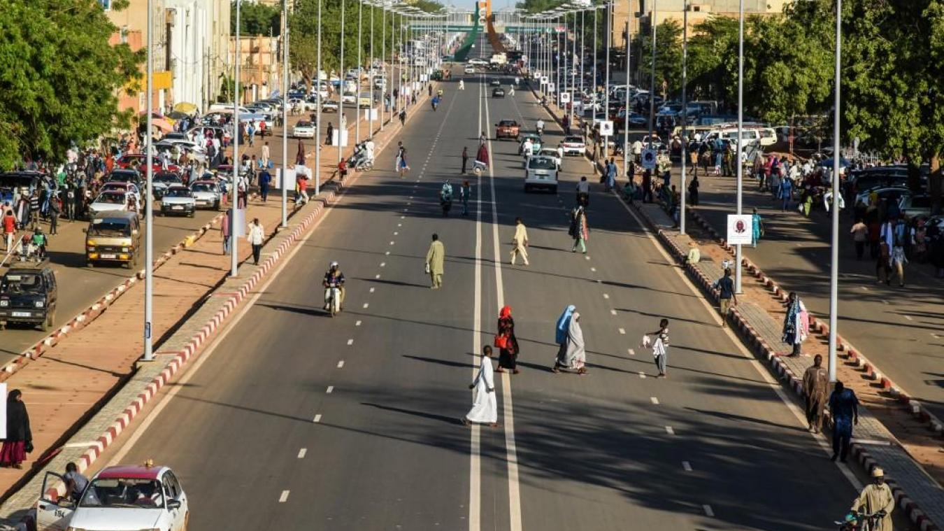 NIGER : six touristes français et leurs guide et chauffeur nigériens tués.