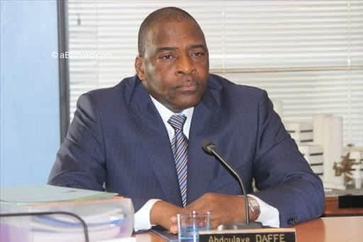 Mali: le ministre de l'Economie et des Finances aurait été enlevé, une mutinerie en cours au camp de Kati.