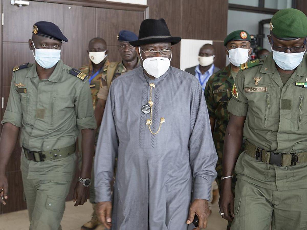 Mali : Le chef de la délégation de la CEDEAO a rencontré l'ancien président IBK.