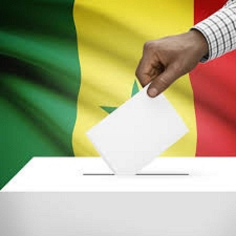 Élections locales : L'accord sur la suppression du parrainage scellé.