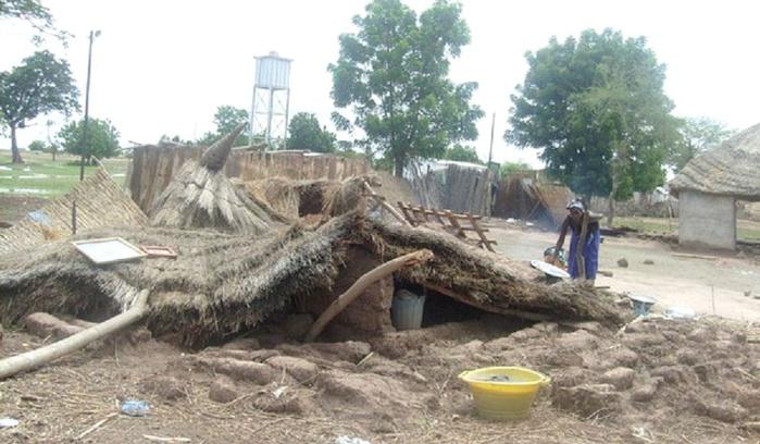 Fortes pluies à Kaolack : Plusieurs cases se sont affaissées à Ngalxa-yaye.