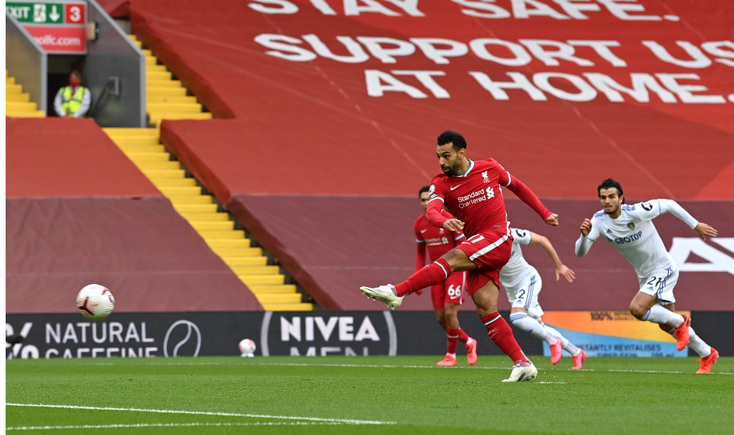 Premier League : Mohamed Salah sauve Liverpool avec un triplé contre Leeds battue (4-3).