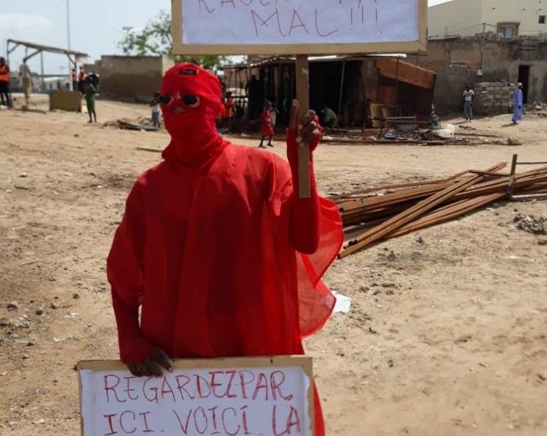 Kaolack : Ayant prévu d'accueillir le chef de l'État avec des pancartes, l'étudiant de Médina Mbaba encore convoqué à la police.