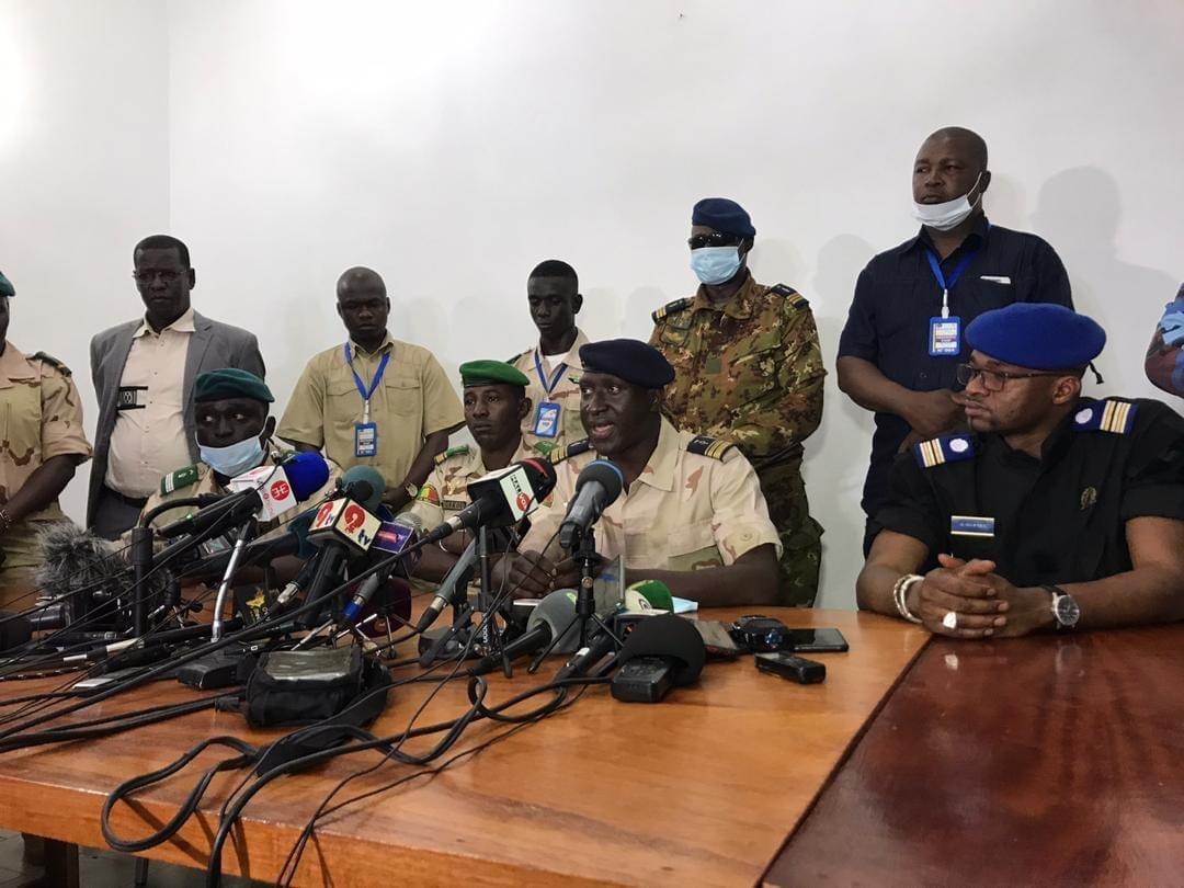 Mali : La CEDEAO donne un nouvel ultimatum aux militaires et brandit la menace d'un embargo total si un civil n'est pas nommé à la tête de la transition (Colonel Major Wagué, porte-parole CNSP)