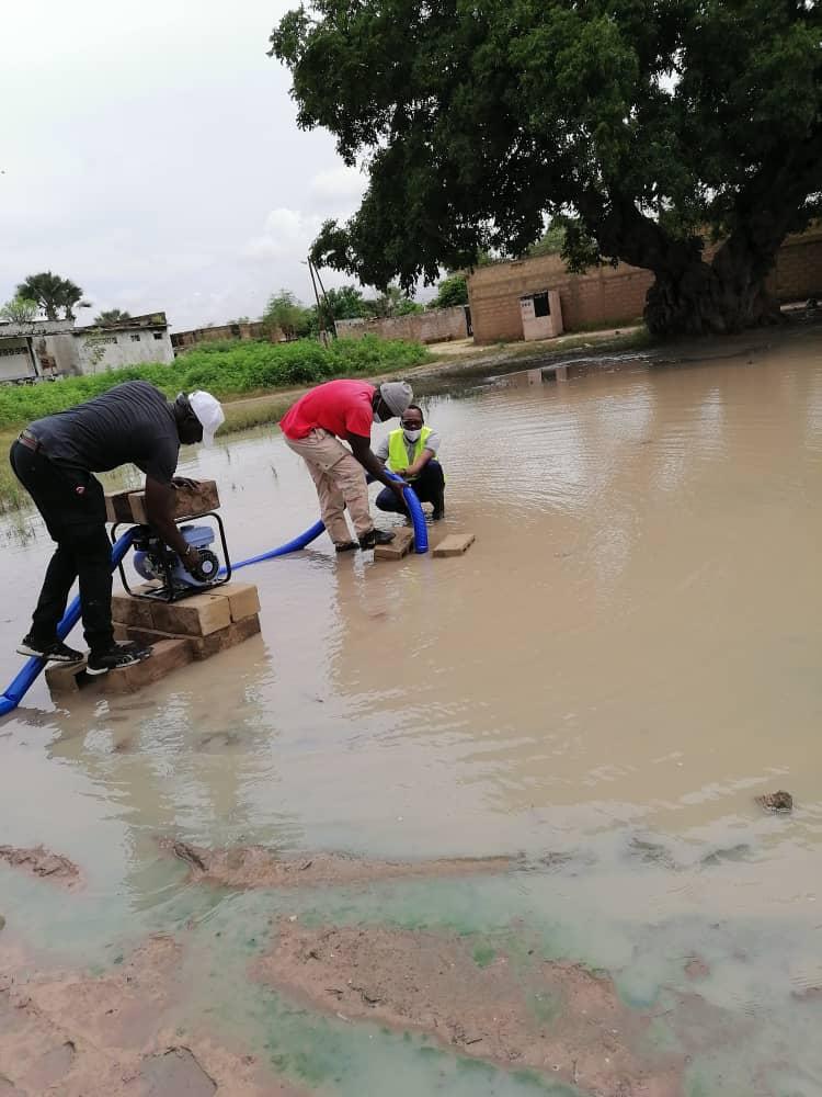 Thiès / Inondations : Des populations de Poniène remercient leur bienfaiteur Habib Niang.