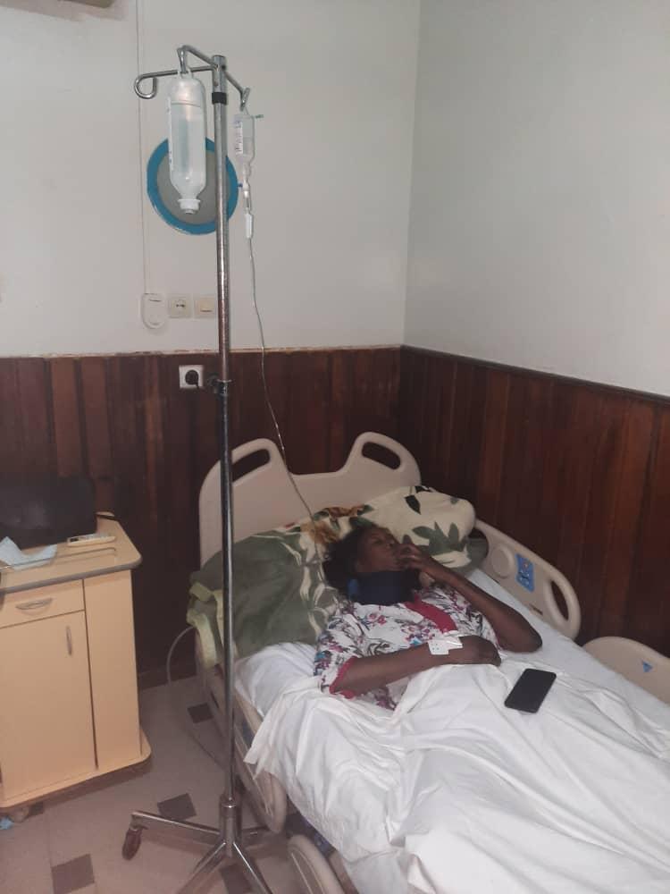 Barbaries policières : Une camerawoman de Dakaractu prise à partie par six éléments du GMI finit à l'hôpital, son matériel de travail détruit.