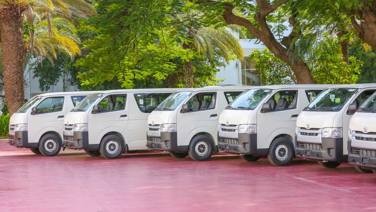 """Transport interurbain : Réception par le Chef de l'État des minibus qui vont remplacer les """"7 places"""""""