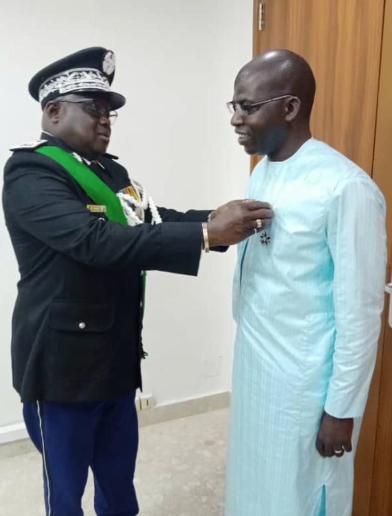 Décoration : Le Dc de la Présidente du CESE, Cheikh Dieng, fait chevalier de l'ordre du mérite