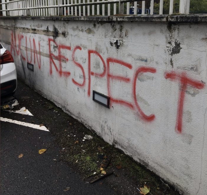 Transfert d'Habib Diallo à Strasbourg : Les supporters Messins manifestent leur colère.