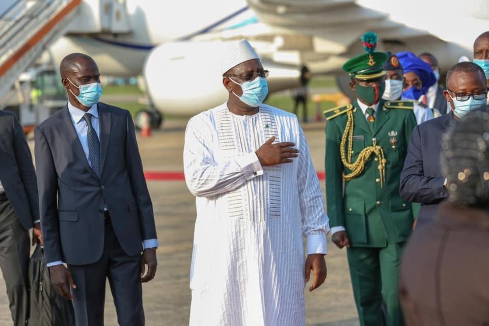 Visite d'amitié et de travail : Le président Macky Sall est arrivé à Abuja.