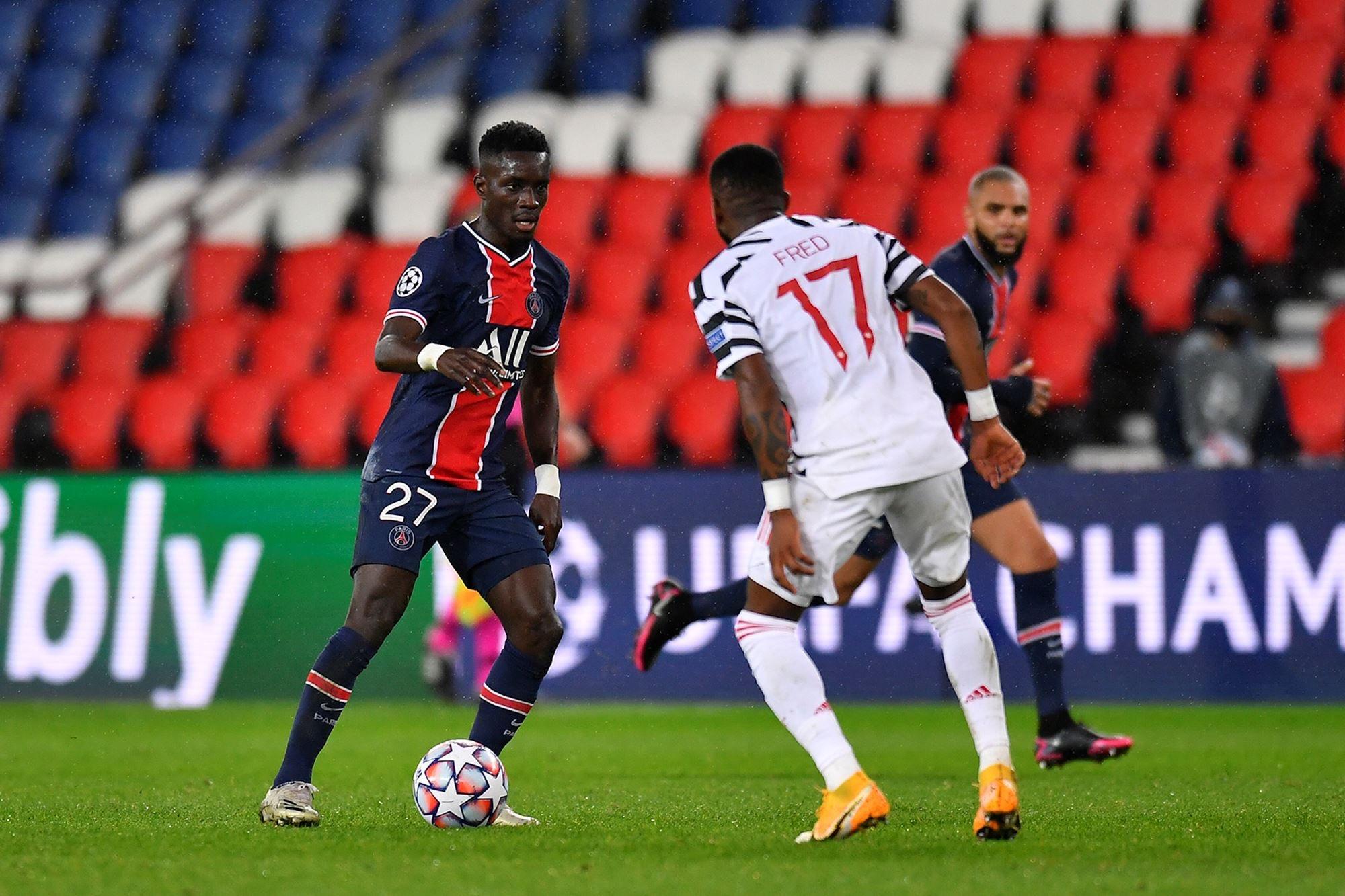 PSG : Idrissa Gana Guèye blessé et absent pour plusieurs semaines.