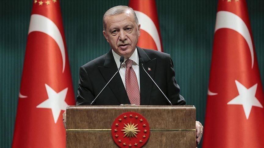 Le président turc appelle à boycotter les produits français.