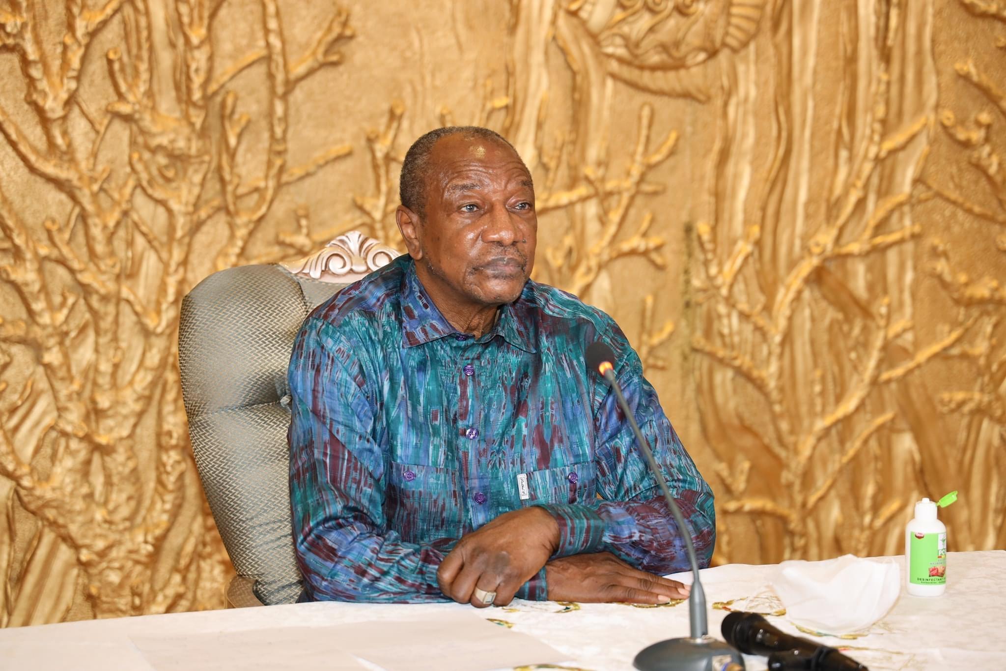 Réplique à l'UE et à la France : Alpha Condé exige «l'indépendance» de la Guinée.