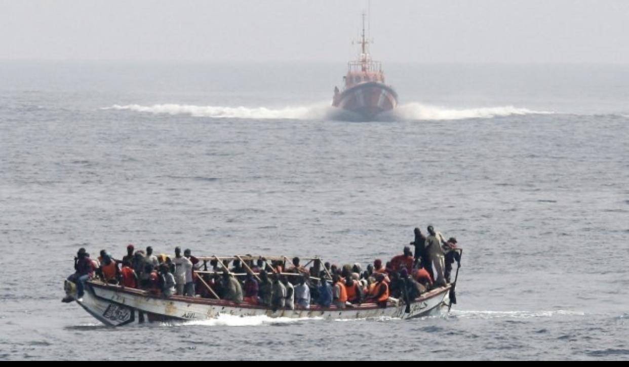 BARÇA OU BARSAQ : Quand la mer recommence à avaler des milliers de  jeunes coincés par Covid-19, navires étrangers et manque d'emplois.