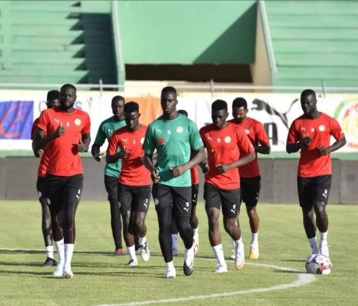 Équipe nationale : Première séance d'entraînement des Lions à Lat Dior.
