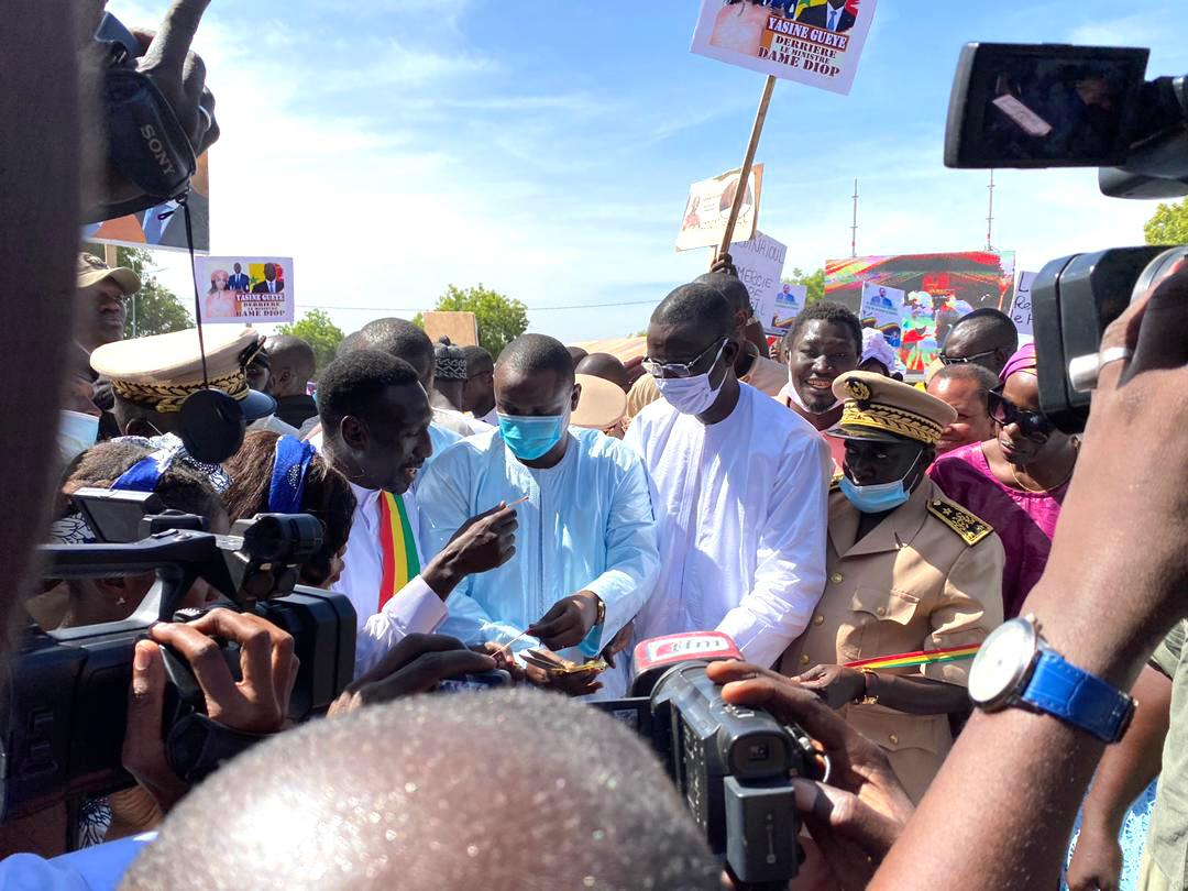 Mise en œuvre de la phase 1 du PRMOVILLES : Le ministre Samba Ndiobène Ka inaugure les infrastructures réalisées à Diourbel.