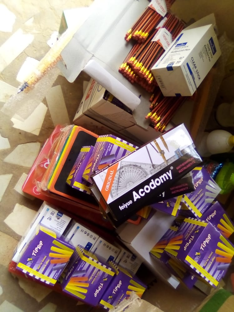 Notto-Diobass : La municipalité débourse 6.500.000 FCFA en fournitures scolaires et kits hygiéniques pour les 40 établissements d'enseignement élémentaire.