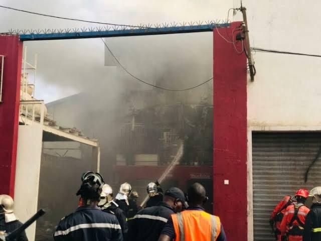Port autonome de Dakar : Un violent incendie au Môle 10.