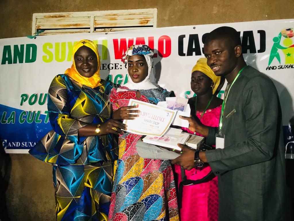 Journée nationale de l'éducation des filles à Gnith (Dagana) : Les meilleures élèves primées.