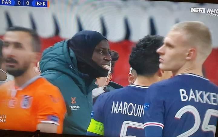 Ligue des Champions : Le match PSG-Basaksehir arrêté pour propos racistes venant du 4eme arbitre.