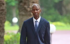 Prolongation de l'âge de la retraite à 65 ans dans le secteur de la Santé : Le ministre Samba Sy s'explique