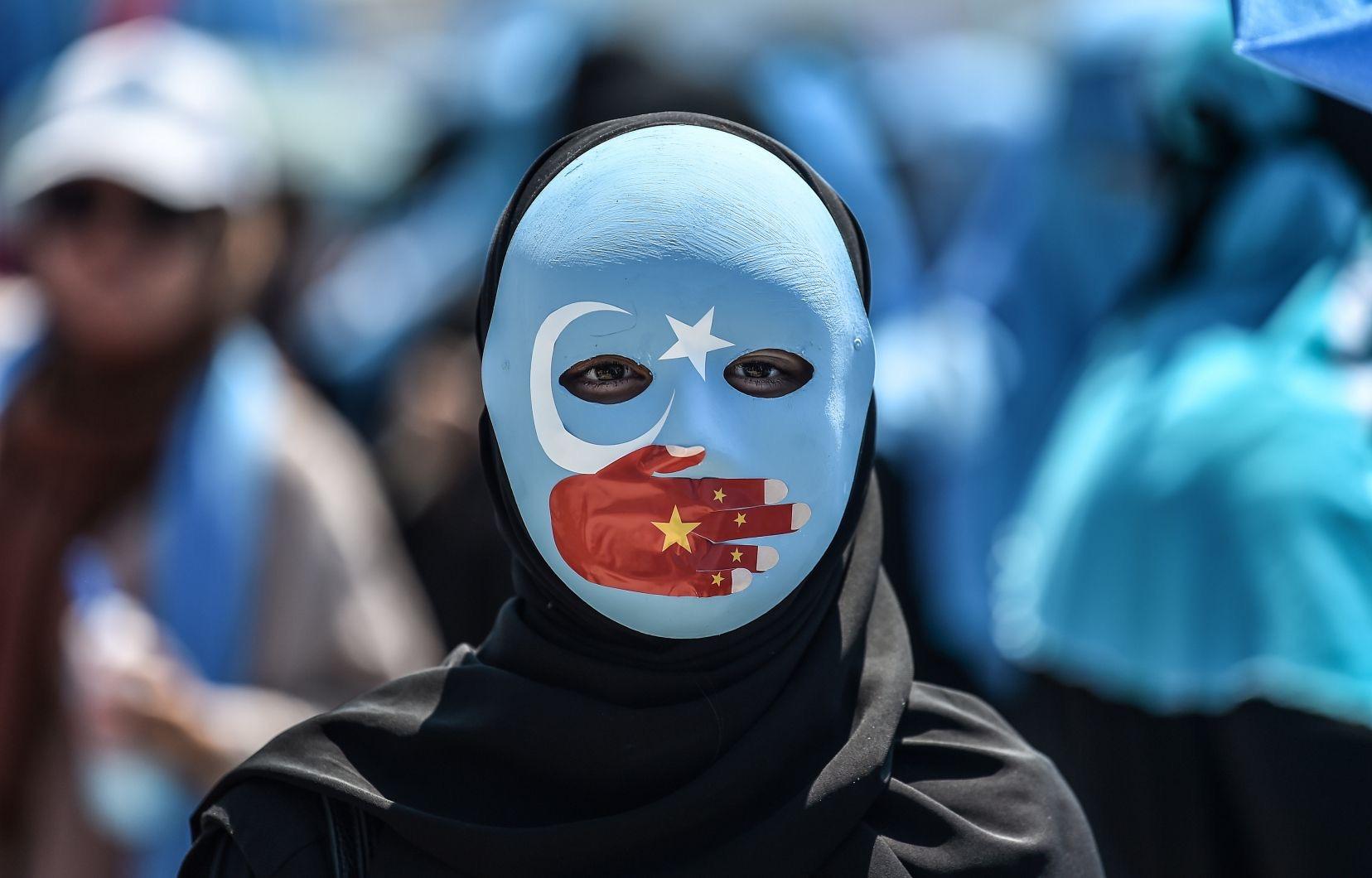 Génocide des Ouïghours : où sont les Sénégalais qui manifestaient pour un dessin ? (Dr Seydi Diamil Niane)