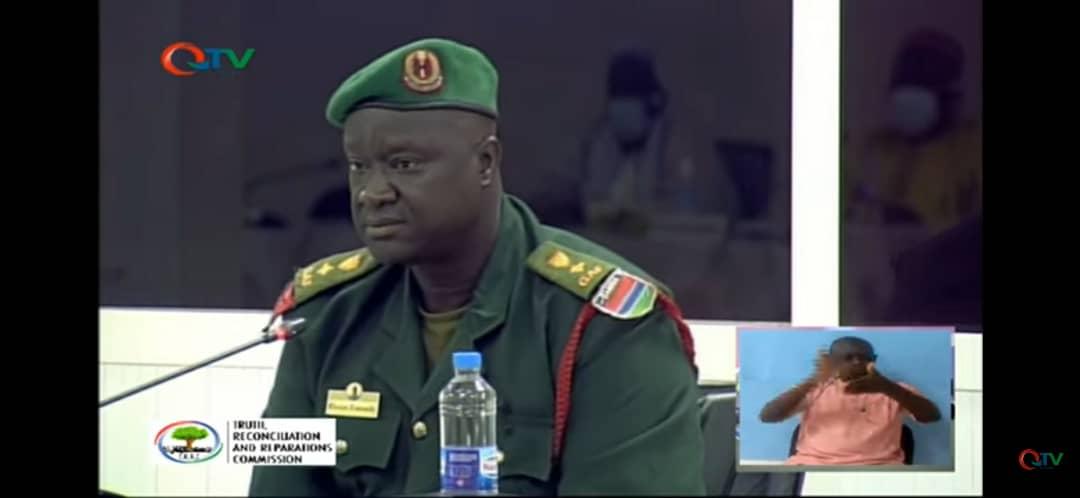 Coup d'État avorté en 2006 en Gambie : le récit glaçant du Colonel Mendy, emprisonné et torturé pendant 10 ans par Yahya Jammeh : « Ils ont pris un fil électrique qu'ils ont mis sur ma tête entourée par un sachet, jusqu'à ce que les sachets fondent »