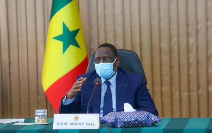 Noël en période de pandémie, surveillance au niveau de l'aéroport, motivation du personnel de santé : Le président Macky Sall donne ses orientations.