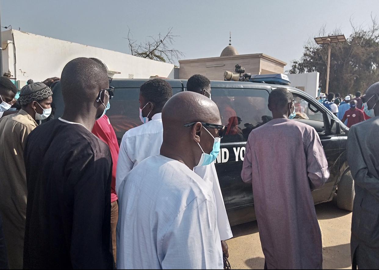 Inhumation Idrissa Diallo : Une dernière émouvante pour le maire de Dalifort accompagné par Khalifa Sall et Cie au cimetière de Yoff... (Reportage)