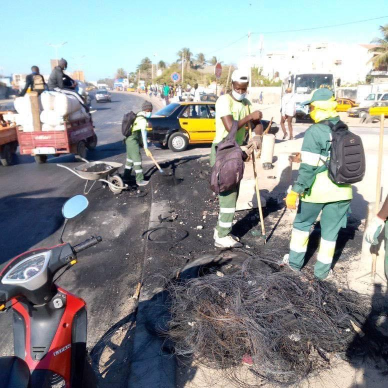 Intifada vs Couvre-feu : Les acteurs du nettoiement condamnent fermement la destruction des bacs à ordures.