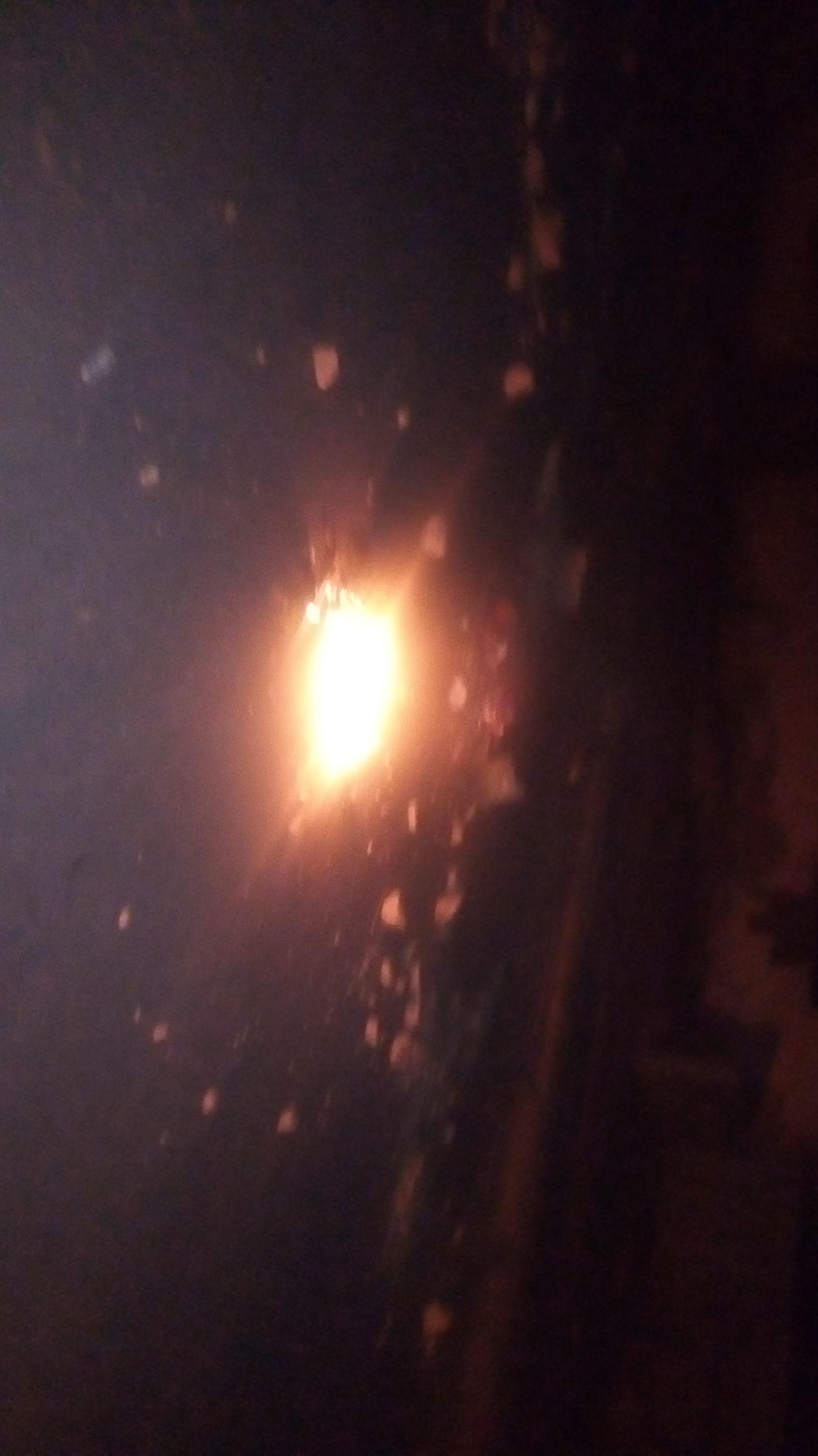 Thiès / Couvre-feu saison 2 : Des jeunes de Médina Fall, Hersent, Angle Serigne Fallou brûlent des pneus sur les routes