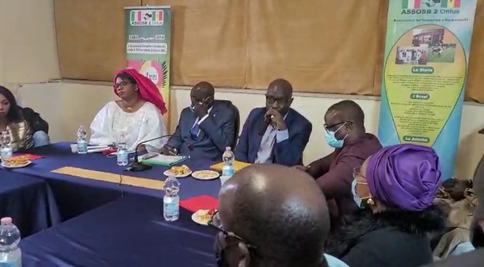 Milan : de nouvelles mesures annoncées dans l'octroi des passeports et 100.000 euros offerts par Macky Sall aux Sénégalais d'Italie