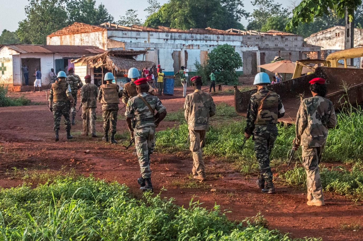 Centrafrique : les combats s'intensifient, la pénurie guette Bangui et la CEEC se prépare à envoyer une force sous régionale