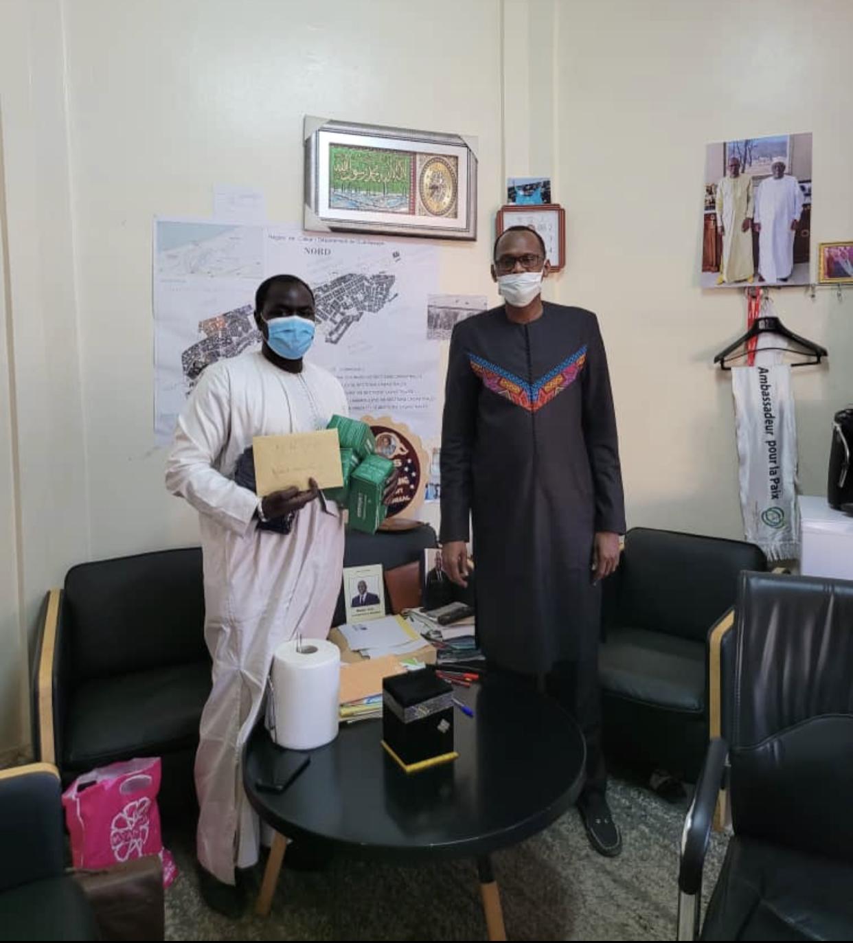 500 masques offerts aux étudiants thiessois de Ziguinchor :«Le combat contre la Covid-19 est l'affaire de tous, notre survie en dépend» (Habib Niang)