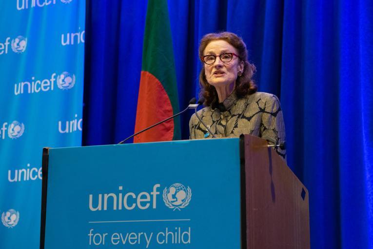 Covid-19 dans les établissements scolaires : L'UNICEF exhorte les gouvernements à éviter les fermetures massives des écoles et exige la vaccination des enseignants.