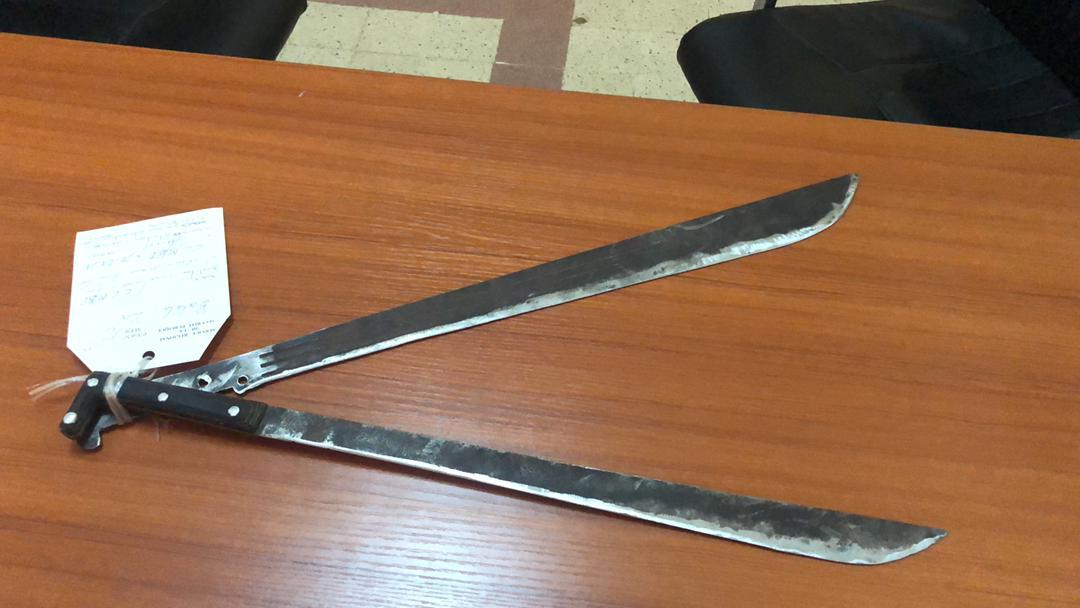 Commissariat Central de Mbour : Un individu interpellé pour détention illégale d'arme à feu (fusil grand modèle) et de coupe-coupe.