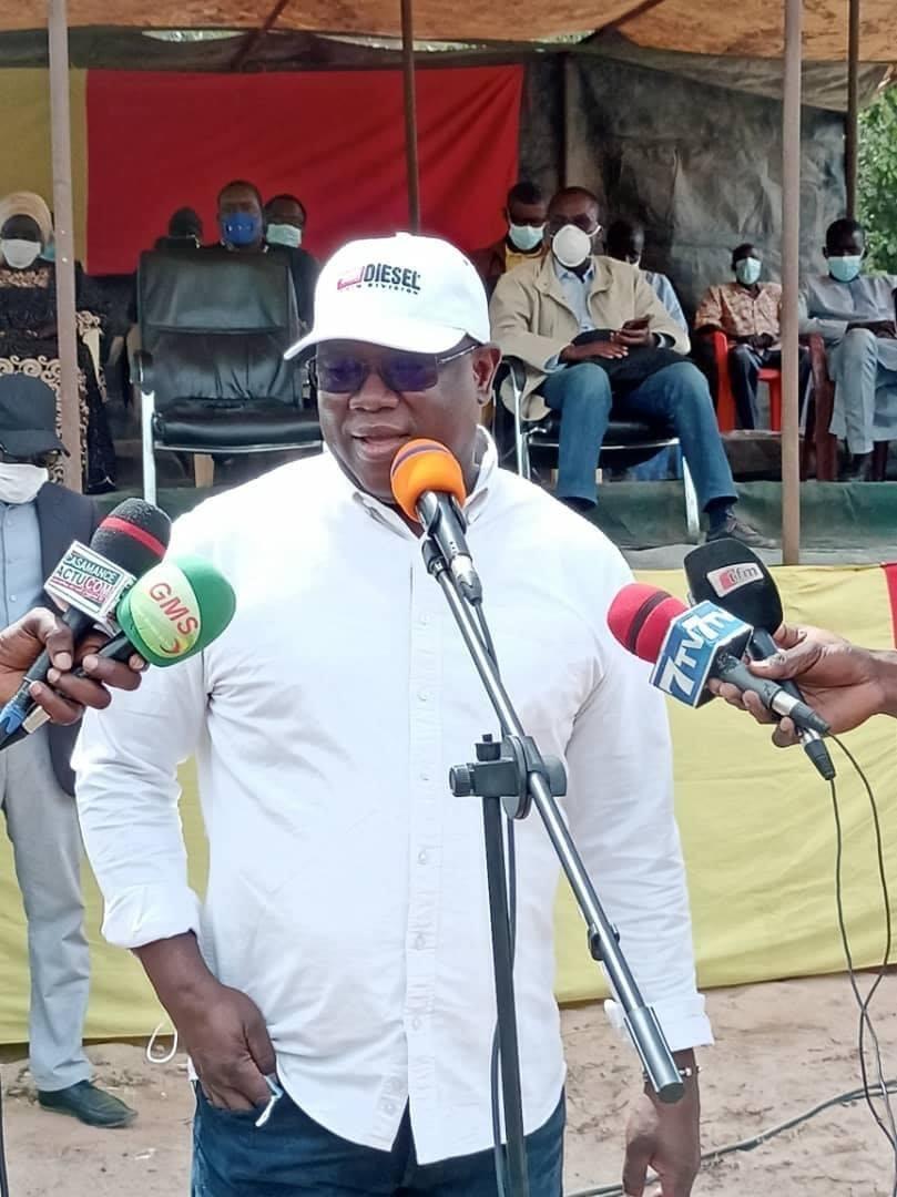 Abdoulaye Baldé sur l'éclairage de la voie des 54 m : « Les contrats sont signés et … Les travaux puissent démarrer en février. C'est un projet pour un coût de 26 milliards »
