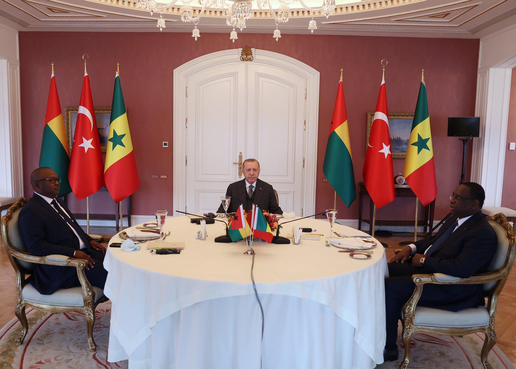 Turquie : Déjeuner de travail entre Macky Sall, Embalo et Erdogan au palais Vahdettin d'Istanbul.