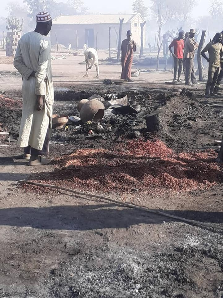 Violent incendie à Kocolé : 40 cases parties en fumée, une perte en vie humaine, des vivres, argent emportés…