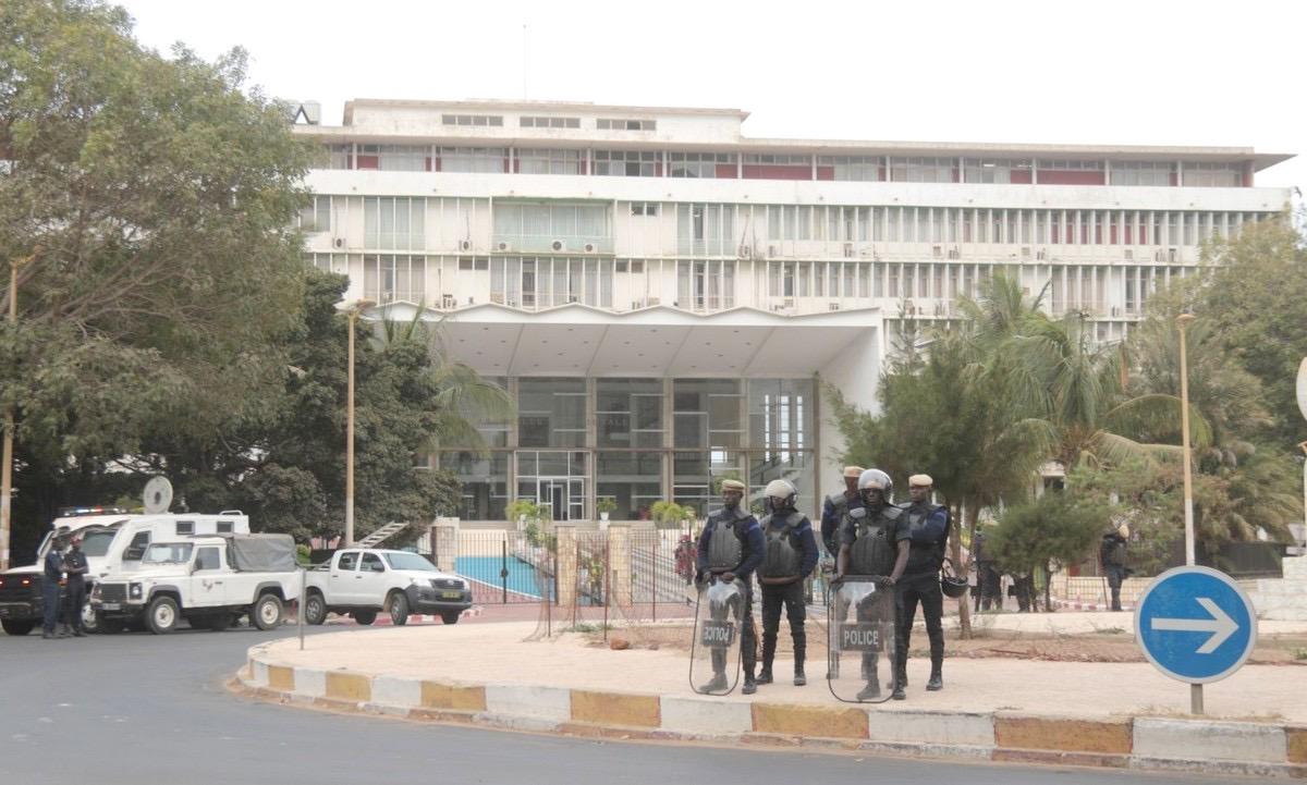 Examen de la levée de l'immunité parlementaire du député Ousmane Sonko : L'assemblée nationale se barricade.