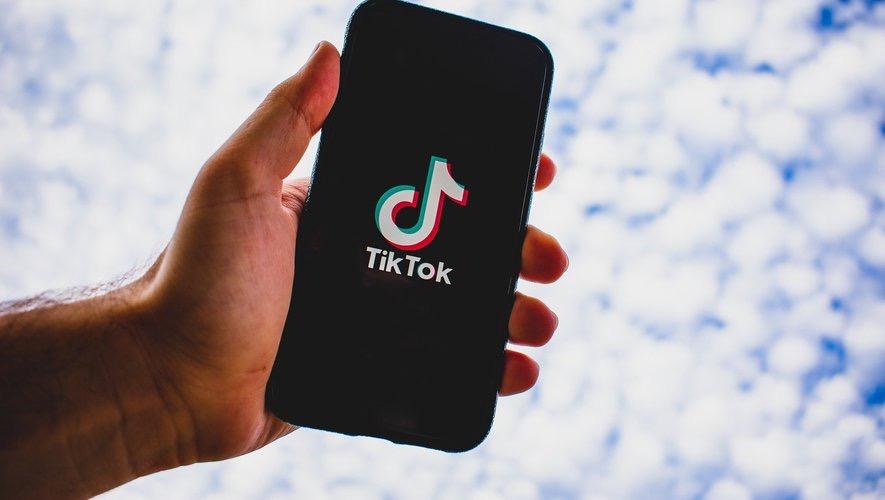 Réseaux Sociaux : Plainte en Europe contre TikTok...