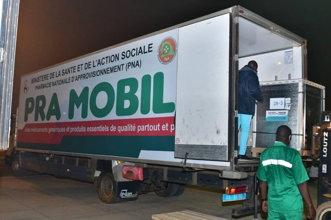 Sénégal : polémique autour des conditions d'acquisition des 200.000 doses chinoises.