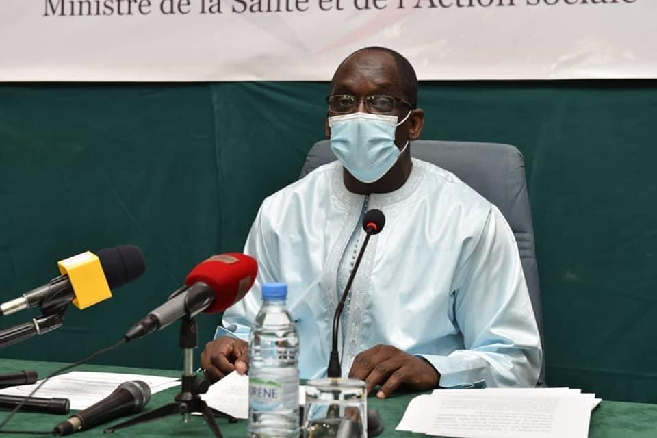Vaccin anti-covid : Le ministre Abdoulaye Diouf Sarr annonce le lancement de la campagne nationale de vaccination ce mardi et va prendre sa dose le même jour.