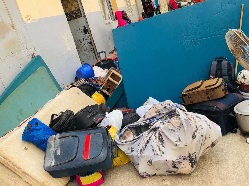 Les étudiants de Ndoffane expulsés de leur logement à Dakar (Images).