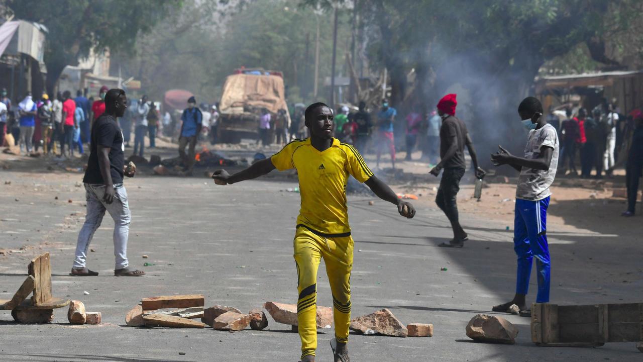 Niger : Des heurts éclatent au lendemain de la présidentielle, l'opposition clame sa victoire.