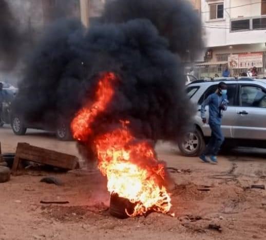 Levée de l'immunité parlementaire de Ousmane Sonko : Des scènes de manifestations notées aux Parcelles Assainies et à Pikine.