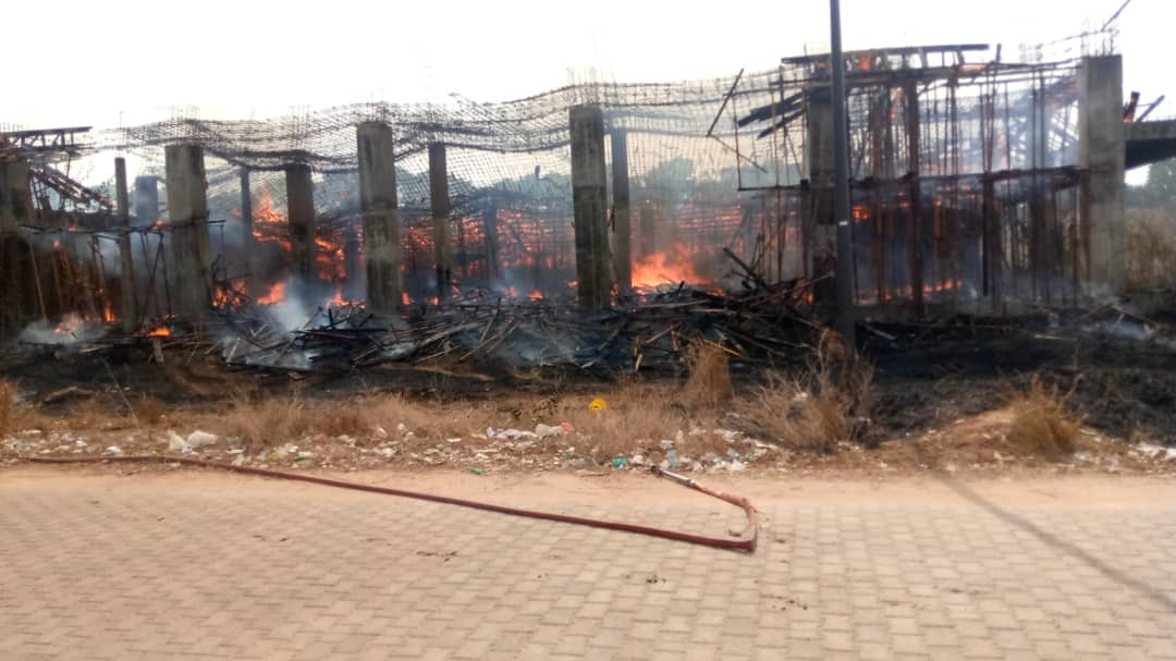 Incendie à l'Université Assane Seck / La thèse du court circuit écartée, les étudiants indexent l'État.