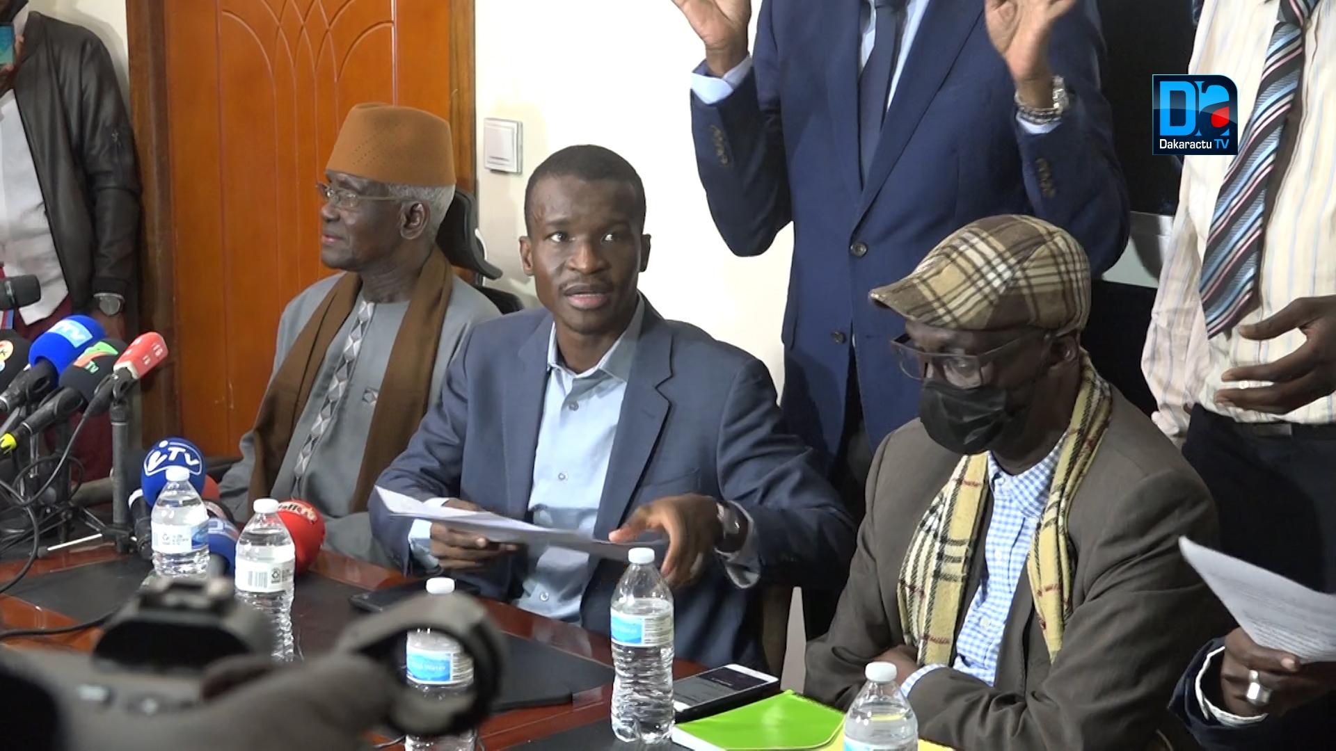 Convocation de Ousmane Sonko : « Le collectif après concertation, a conseillé à Ousmane Sonko de déférer à la convocation; il a pris acte et avisera » (Avocat)