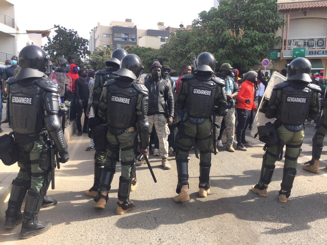 Convocation Ousmane Sonko: quelques heurts vers Mermoz